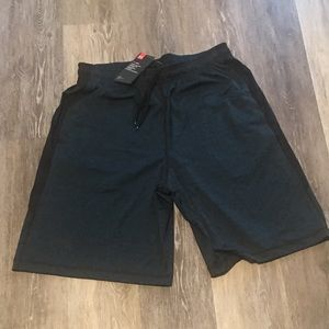 Under Armour Heat Gear Loose Fit Shorts Men's NWT